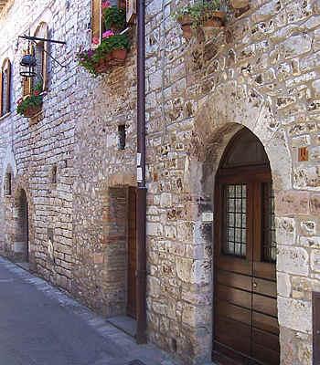 Hotel assisi basilica di santa chiara for Appartamenti assisi