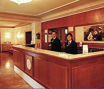 Hotel bologna piazza maggiore for Albergo orologio bologna