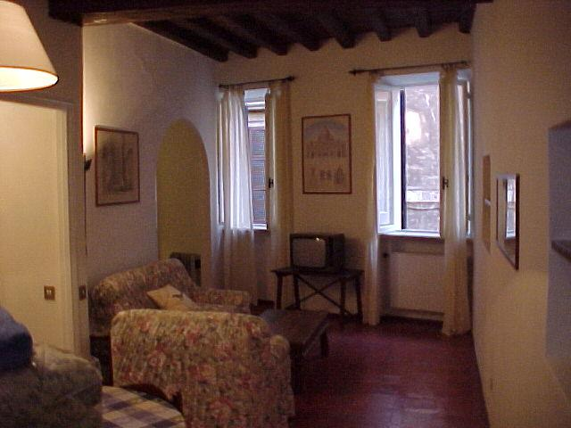 Hotel roma navona for Appartamenti arredati in affitto roma