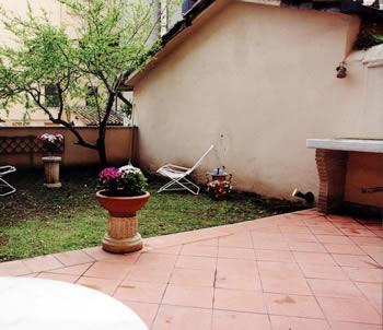 Hotel roma colosseo for Appartamenti roma affitto mensile